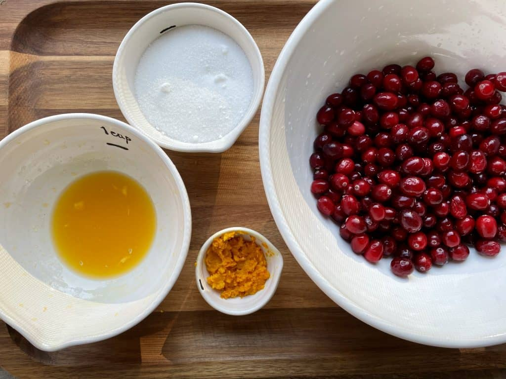 ingredients to make cranberry sauce