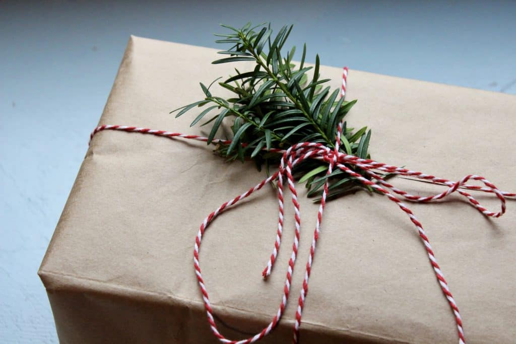wrap gifts and reduce waste