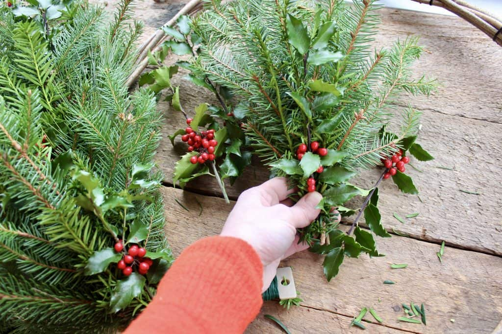 how to make a wreath with natural elements