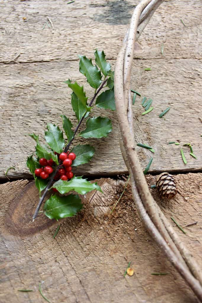 how to make a simple evergreen wreath