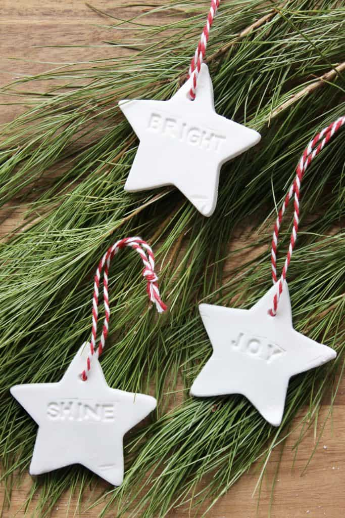 simple tutorial to make homemade essential oil diffusing christmas ornaments