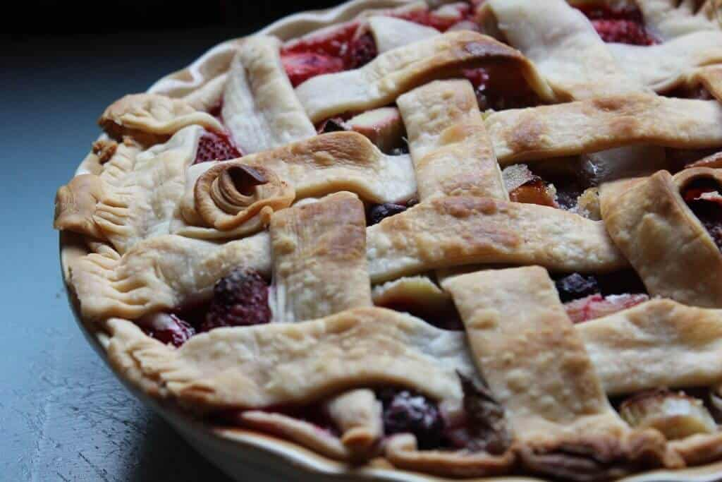 homemade rhubarb pie from scratch